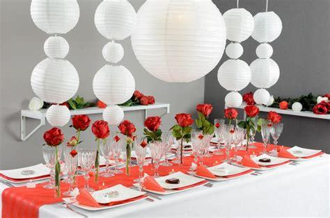 les 5m en cuisine décoration de table sur le thème en et blanc