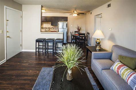 3 Bedroom Apartments Wichita Ks by Skyline Apartments Wichita Ks Apartment Finder