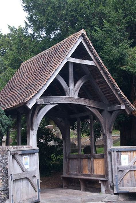 lych gate definition illustrated dictionary  british