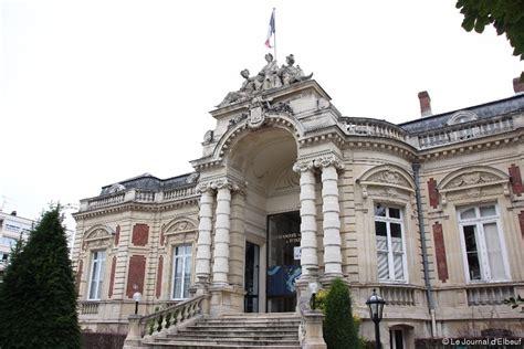 chambre de commerce et d industrie de seine et marne elbeuf l 39 hôtel consulaire mis en vente la chambre de