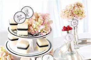 Petit Fours Hochzeit : bride and groom petit four f r die elegante brautparty oder den polterabend mit damast ~ Orissabook.com Haus und Dekorationen
