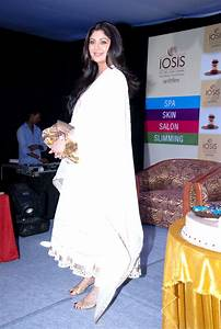 Filmee Club: Shilpa Shetty at Launch of IOSIS spa Lucknow ...