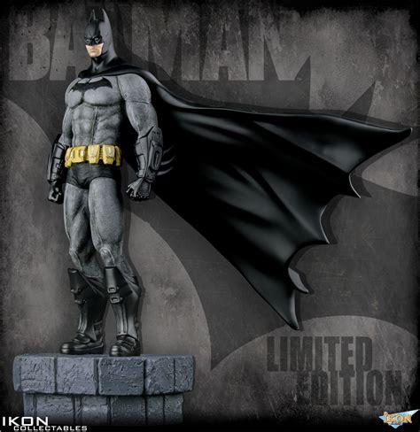 arkham city batman  scale statue limited edition dc