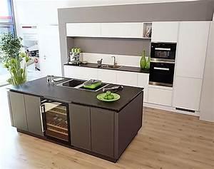 Küchenzeile Mit Kochinsel : musterk chen b rse abverkauf luxusk chen als musterk chen ~ Orissabook.com Haus und Dekorationen