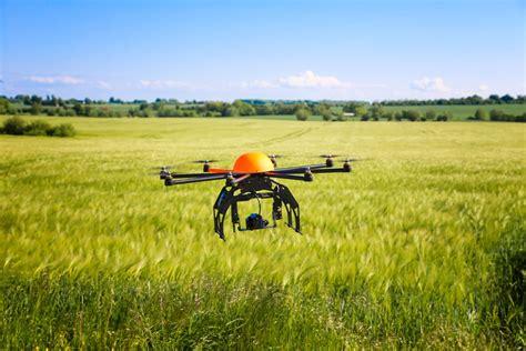 cr it agricole si e social droni e agricoltura a breve centinaia di macchine volanti