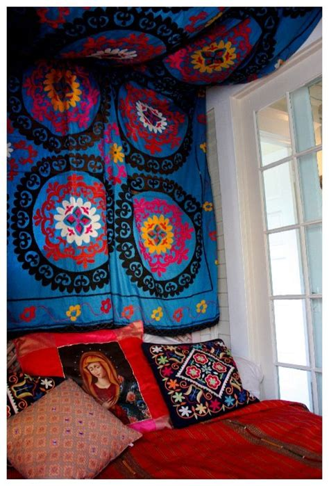 Bedroom Ceiling Tapestry by 25 Best Ideas About Tapestry Headboard On Diy