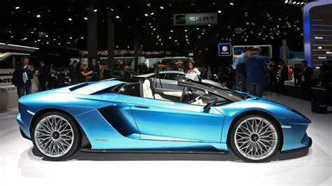 lamborghini aventador s roadster with roof lamborghini aventador s roadster loses roof keeps the speed autoblog