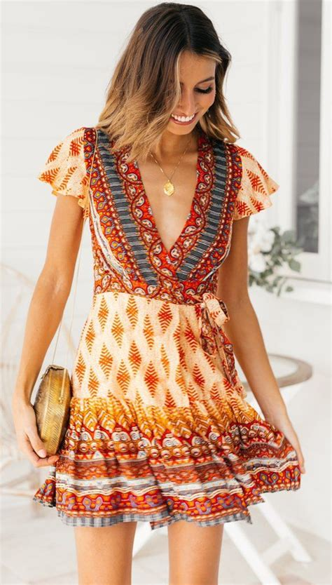 vintage geo pattern surplice dress red