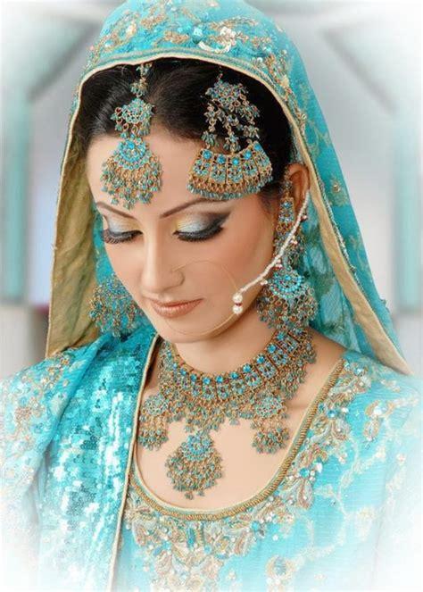 bridal dresses blue eyeshadow