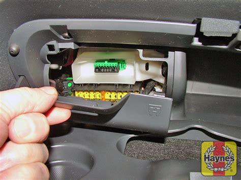 Citroen C3 Fuse Box 2006 by Citroen C2 2003 2010 1 1 Fusebox And Diagnostic