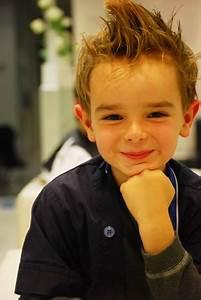 Coupe De Cheveux Pour Enfant : coupe cheveux petit gar on ~ Dode.kayakingforconservation.com Idées de Décoration