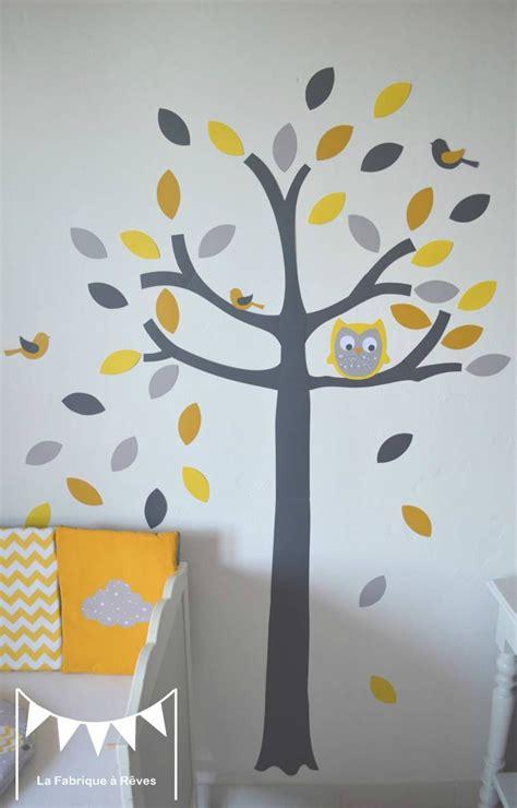 chambre bébé jaune et gris stickers arbre gris jaune blanc hibou chouette oiseaux
