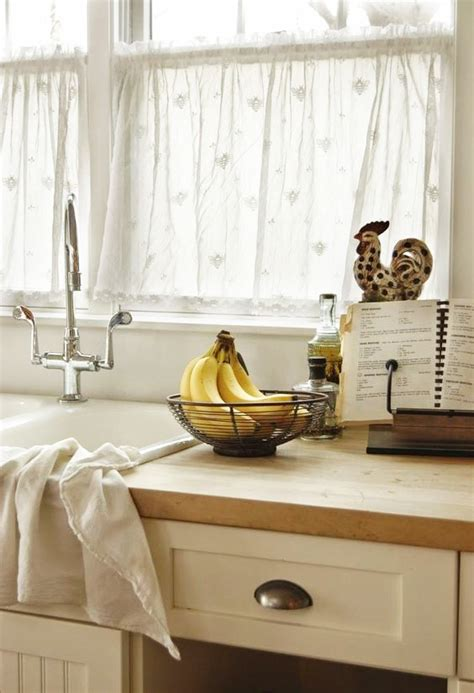 voilage de cuisine rideau fenetre cuisine meuble de cuisine avec rideau