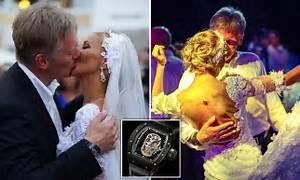 Vladimir Putins Aide Dmitry Peskov Seen Wearing A Watch