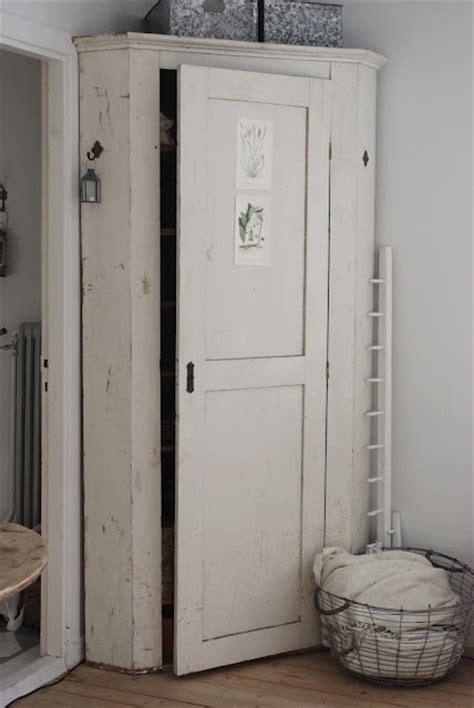 Corner Pantry Cabinet Diy by Diy Corner Cabinet Solutions Woodworking Projects Plans