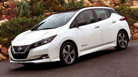 2018 Nissan Leaf Revealed With Longer Range, Lower Price