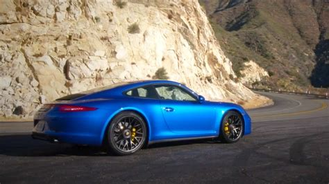 2015 Porsche 911 Carrera GTS First Look - Kelley Blue Book ...