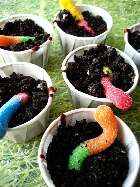 dirt cake with gummy worms oreo dirt gummy worms amazing dessert