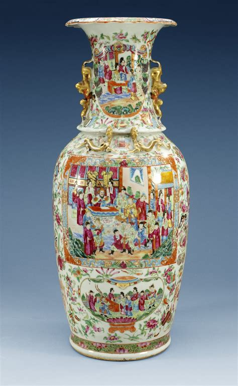 china porcelain canton vase qing dynasty ht  cm