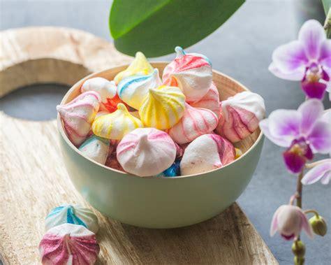 cuisine meringue colorful meringues cuisine addict