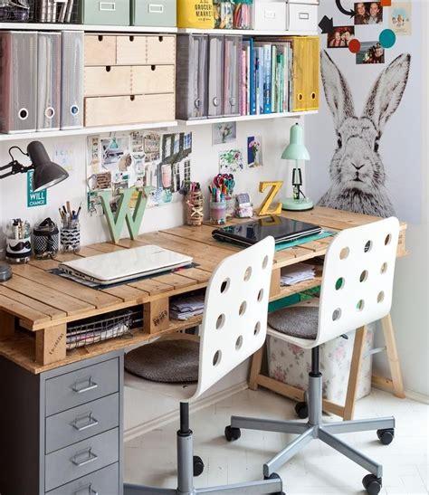 bureaux en bois bureau en bois 34 idées diy très cool en palette europe
