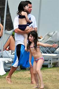 Adam Sandler gives his wife the day off as he treats their ...