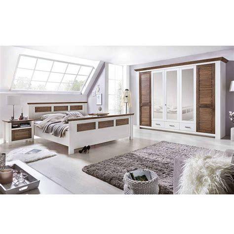 kolonialmöbel schlafzimmer einrichten schlafzimmer einrichtung trevora in wei 223 kiefer pharao24 de