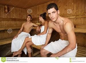 Frauen In Sauna : sauna spa therapie jonge groep in houten ruimte stock afbeelding afbeelding 16825855 ~ Whattoseeinmadrid.com Haus und Dekorationen