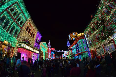Hollywood Studios Osborne Lights by Osborne Family Spectacle Of Dancing Lights The Dis