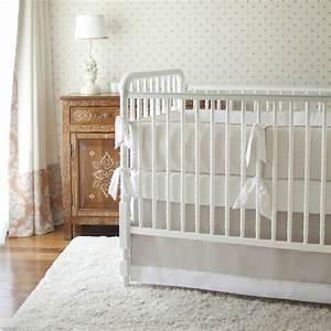belle decoration a la maison avec le tapis shaggy blanc With tapis chambre bébé avec fleurs de bach et animaux