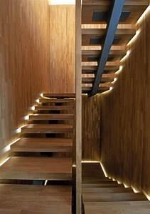 Led Beleuchtung Treppenstufen : beleuchtung treppenhaus l sst die treppe unglaublich sch n erscheinen ~ Sanjose-hotels-ca.com Haus und Dekorationen