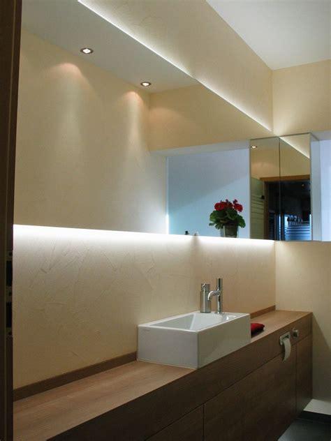 Beleuchtete Spiegel Für Gäste Wc by Die Hochwertigen Materialien Sowie Die Indirekte