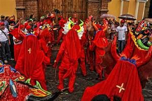 Diablos Danzantes De Yare  Fotos
