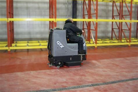 tomcat ride on scrubber dryer hire gtx d floor cleaner