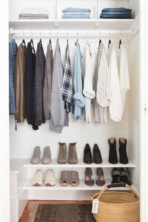 Simple Closet Organization by 25 Best Ideas About Simple Closet On Simple