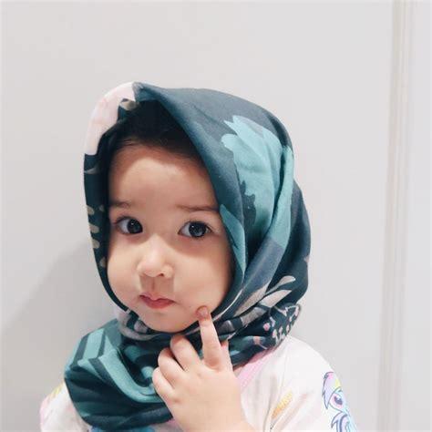 potret bayi dari 9 artis saat pakai jilbab ini bikin gemas