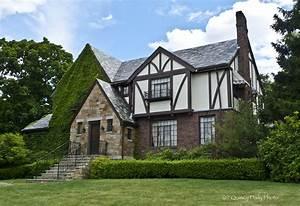 tudor style house | This Tudor Revival style house ...