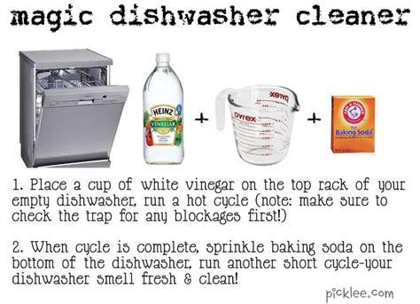 how to clean a dishwasher 25 best ideas about cleaning dishwasher vinegar on pinterest distilled white vinegar
