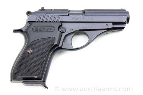 weapons pistols  revolvers  lr   magnum