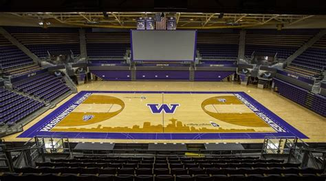seattle wide power outage hits alaska airlines arena