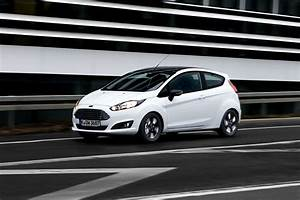 Ford Fiesta Edition : ford introduces black and white editions for the fiesta and ka in europe ~ Maxctalentgroup.com Avis de Voitures