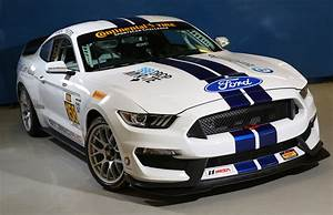 2015 Ford Mustang Shelby GT350R-C Race Car Revealed