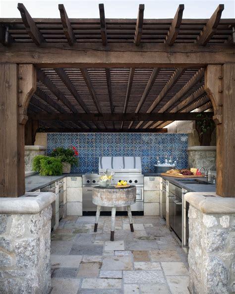 outdoor kitchen designers 95 cool outdoor kitchen designs digsdigs 1300