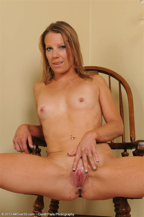 Introducing 32 Year Old Alyssa Dutch From Allover30 Pictures Of Naked Milf