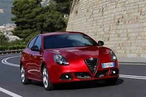 Alfa Romeo Prix : alfa giulietta alfa romeo giulietta quadrifoglio verde 2014 prix et performances ~ Gottalentnigeria.com Avis de Voitures