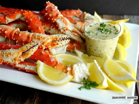 steamed alaskan king crab legs  beurre blanc  dipping
