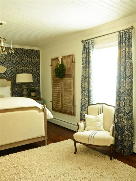 How To Make Drapes With Lining - how to sew lined drapery panels hgtv