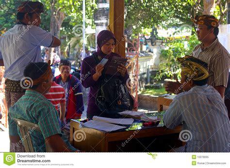 muslim woman voting  indonesia editorial image image
