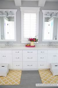 accent color for gray and white bathroom With black and white bathroom accent color