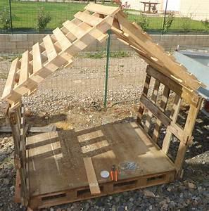 Cabane pas chere avec bois de palettes plein d for Amenager jardin en pente 8 comment fabriquer un poulailler en bois pour le jardin